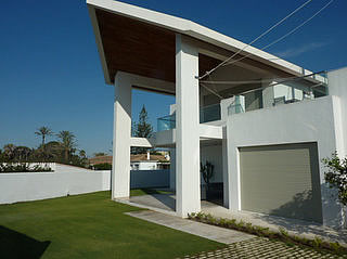 Contemporary Villa for sale in Guadalmina