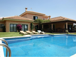 Villa for sale in Los Flamingos Golf, Marbella