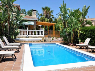 Villa for sale in El Paraiso Marbella