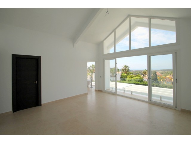 modern new build villa in El Rosario Marbella for sale